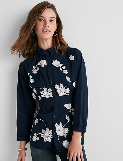 BELTED OVERSIZED TOP WITH FLORAL EMBROIDERY,