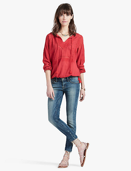 LACE INSERT TOP, CRIMSON RED