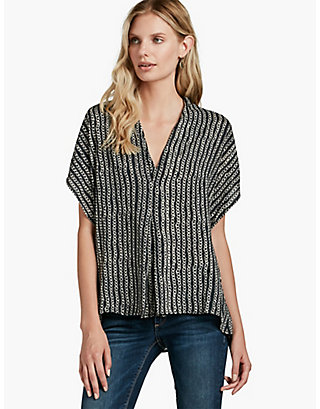 LUCKY DEEP V-NECK TOP