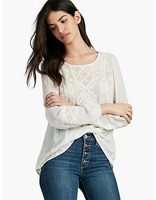 LUCKY EMBROIDERED TOP