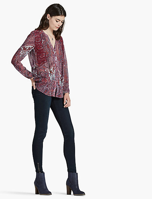 LUCKY CONTRAST EMBROIDERY BLOUSE