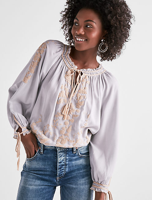 LONG SLEEVE EMBROIDERED PEASANT TOP,