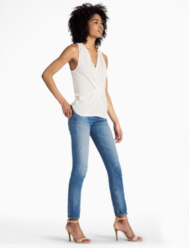 LUCKY V NECK TWIST TANK