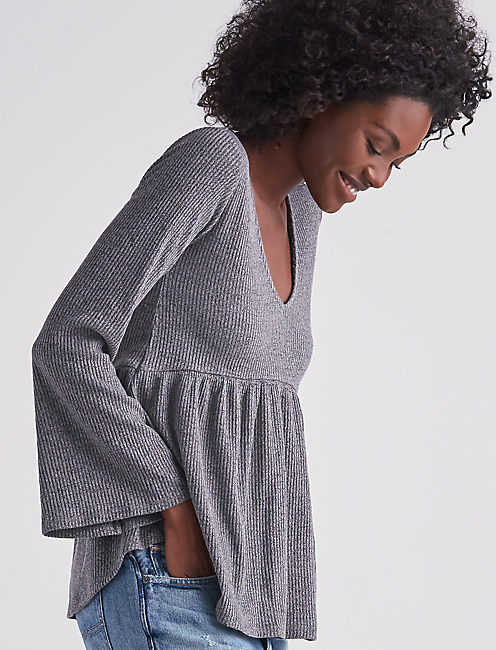 BELL SLEEVE RIBBED TOP,