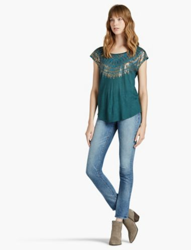 LUCKY WING NECKLINE TEE
