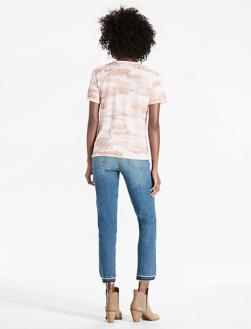 CAMO LACE UP TEE, PINK MULTI
