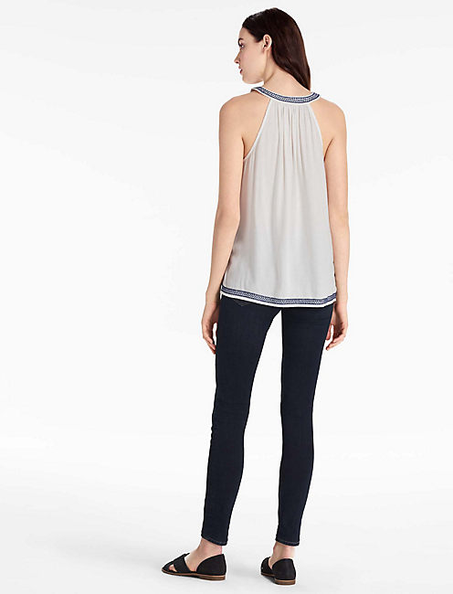 EMBROIDERED V NECK TANK, EGGSHELL