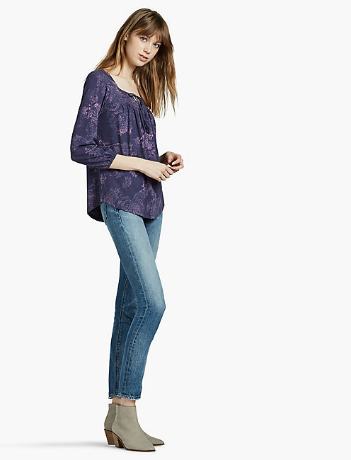 PINTUCK YOKE PEASANT TOP,