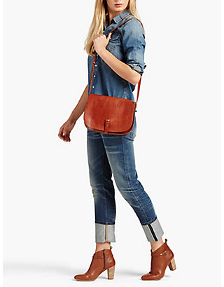 LUCKY THE POINT SHOULDER BAG