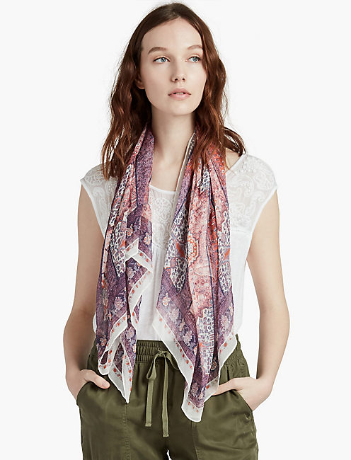 LUCKY PIECED RUG PRINT SCARF