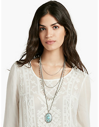 LUCKY TRIBAL LAYER NECKLACE
