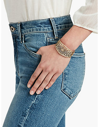 LUCKY GOLD OPEN WORK EASY CUFF