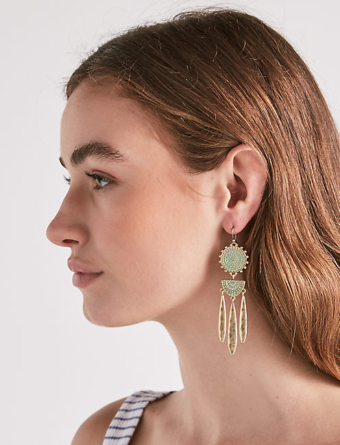 Lucky Petina Chandelier Earring