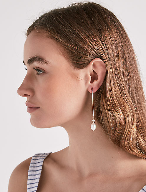 Lucky Pearl Drop Earring