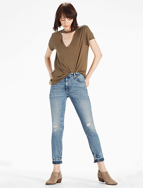 V NECK CUTOUT TEE, DARK OLIVE