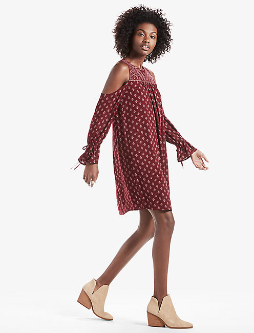 COLD SHOULDER PRINTED DRESS, BURGUNDY MULTI