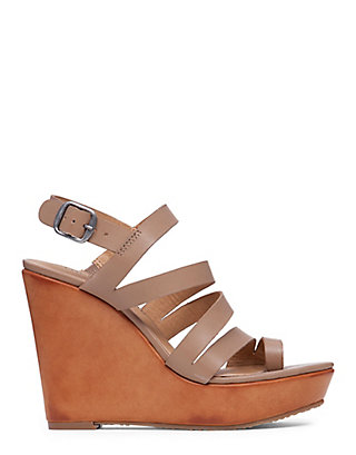 LUCKY FAIRFINA WEDGE