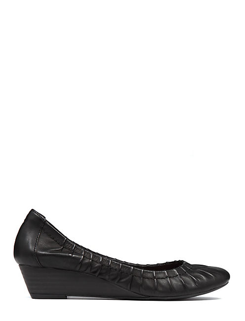 FIBII DEMI WEDGE SHOE, BLACK LEATHER