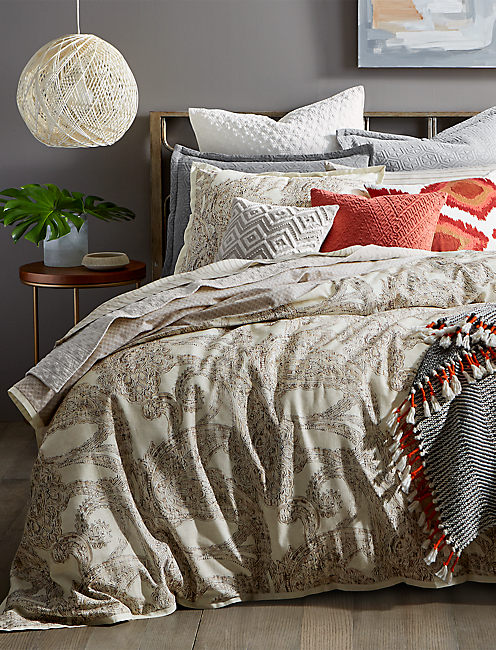 LEILA FULL/QUEEN COMFORTER SET,