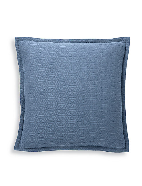 MEDALLION NAVY EURO SHAM,