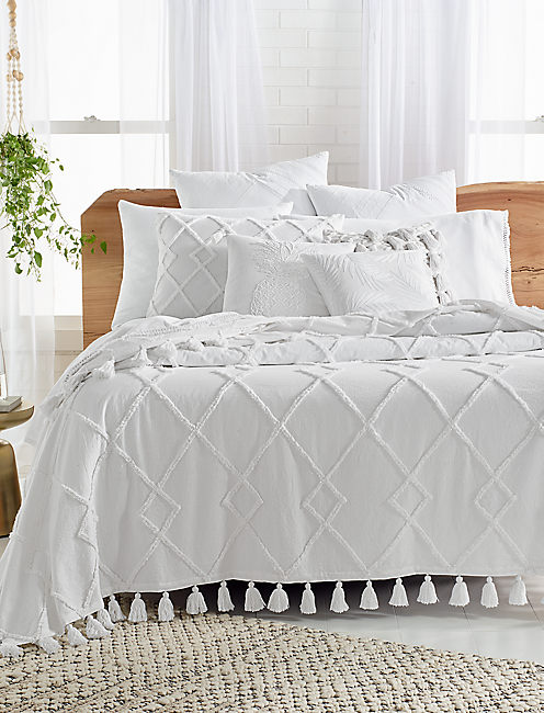 Lucky Diamond Tuft Bed Cover