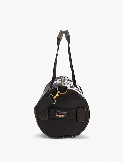 PENDLETON ROUND GYM BAG, BLACK