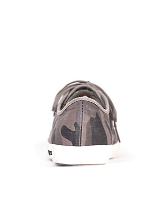 LUCKY SEAVEES ARMY LOW TOP