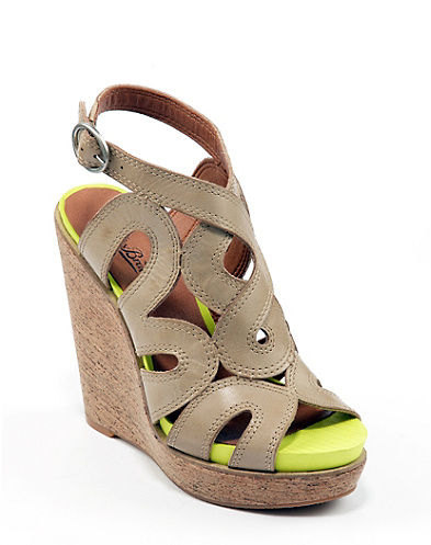 Penrose Wedges*