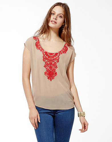 Queen's Necklace Lace Top