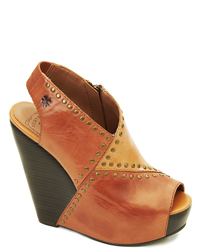 Ramada Leather-Covered Wedges