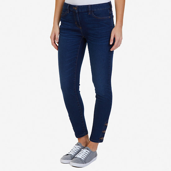 Buttoned Ankle Jean - Atlantic Light Wash Outle