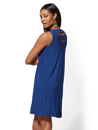 Crisscross Back V Neck Swing Dress by New York & Company