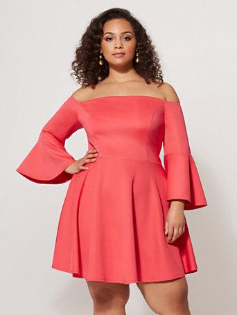 Ftf Alannah Bell Sleeve Dress by New York & Company
