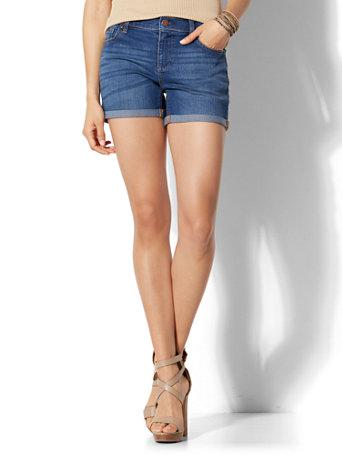 Ny Amp C Soho Jeans 4 Inch Short Force Blue Wash