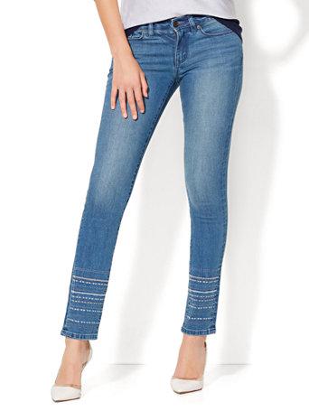 NYampC Soho Jeans  EmbroideredHem Skinny  Blue Charmer Wash