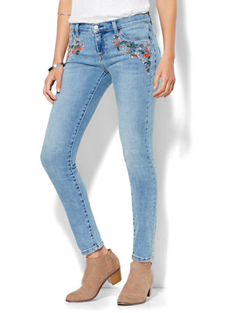 NYampC Soho Jeans  Embroidered SuperStretch Legging  Wild