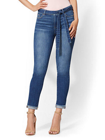 Soho Jeans   High Waist Boyfriend   Blue Rapids by New York & Company