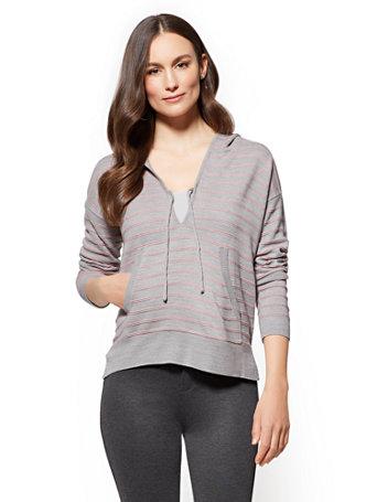 NY&C: Soho Street - Hooded V-Neck Sweater - Stripe
