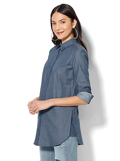 7th Avenue - Madison Stretch Shirt - Side-Vent Tunic Shirt - Medium Blue Wash - New York & Company
