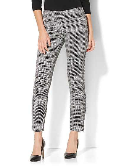 7th Avenue Pant - Pull-On Ankle - Black & White Graphic Print - New York & Company
