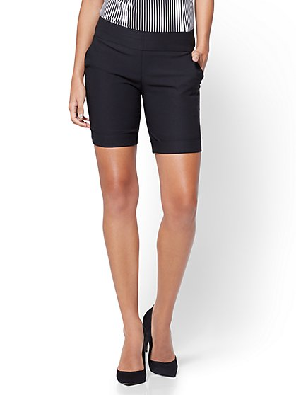 7th Avenue - Pull-On 8 Inch Bermuda Short - Signature - Black - New York & Company