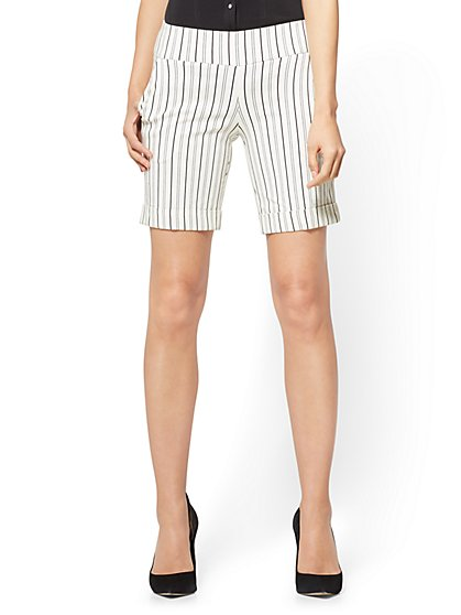 7th Avenue - Pull-On 8 Inch Short - Signature - Stripe - New York & Company