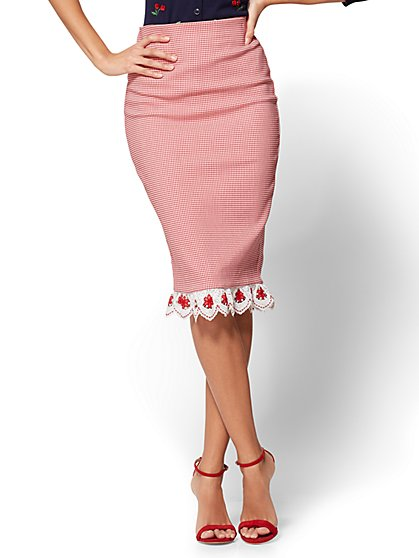 7th Avenue Pull-On Pencil Skirt - Cherry Detail - New York & Company