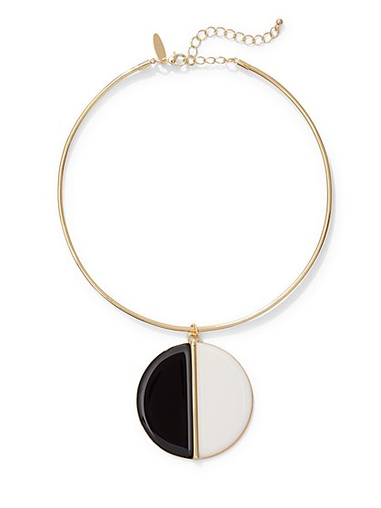 Disc Pendant Collar Necklace  - New York & Company