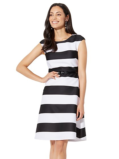 Dresses for Women | New York & Company