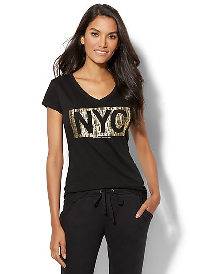 "Metallic ""NYC"" Graphic Logo Tee - New York & Company"