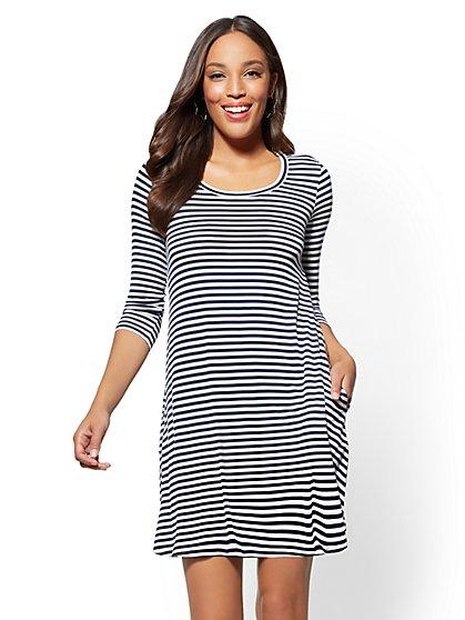 Scoopneck Swing Dress - Stripe - New York & Company