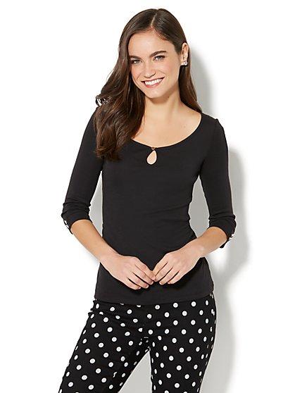 Shirred Keyhole T-Shirt - New York & Company