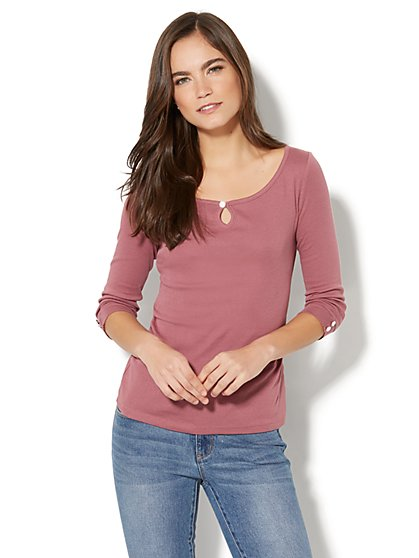 Shirred Keyhole T-Shirt - New York & Company