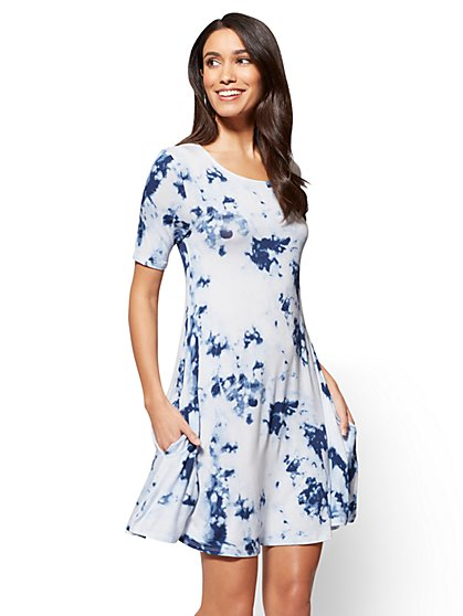Short-Sleeve Swing Dress - Tie-Dye  - New York & Company